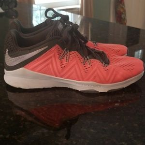 """Nike Zoom """"ondition Training sneakers size 8."""